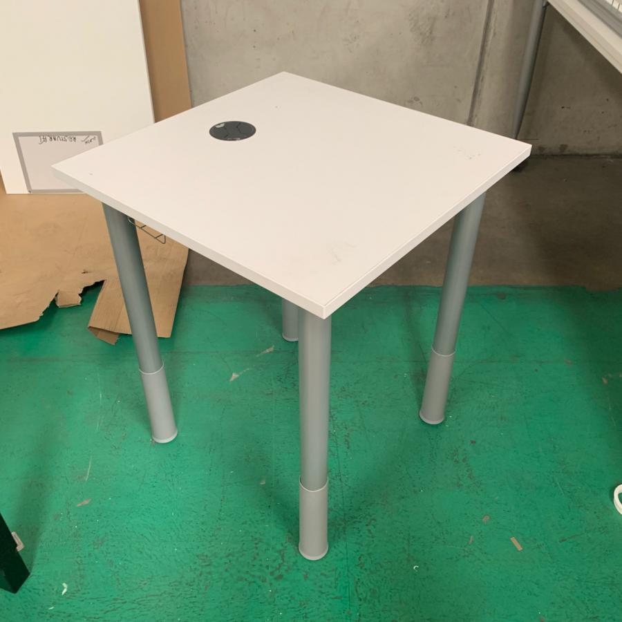 Kinnarps Series[e]one White 600x600 Straight Desk